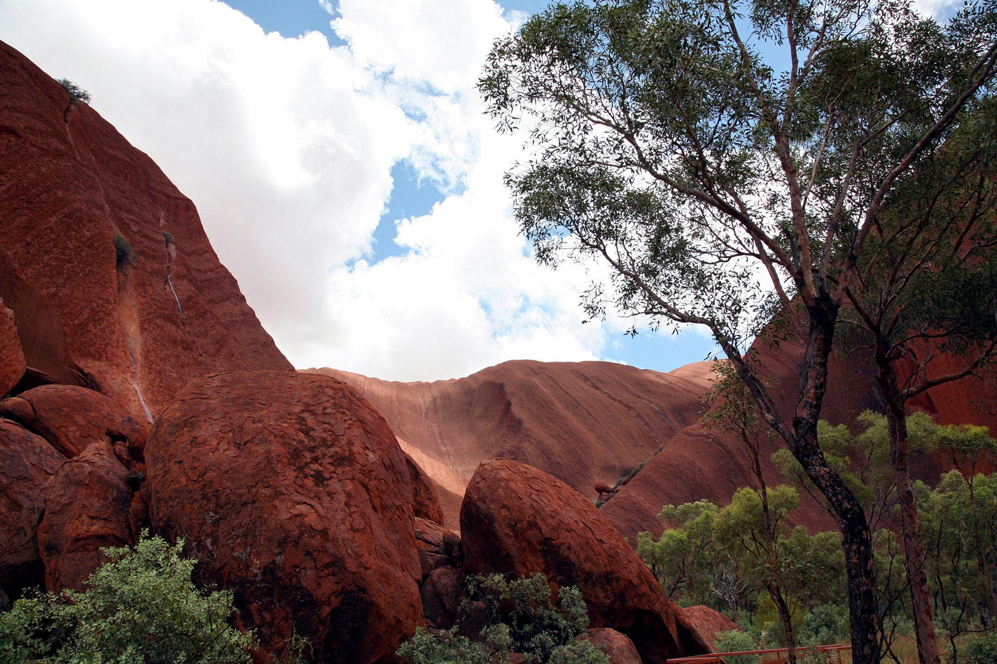 Uluru, looking up
