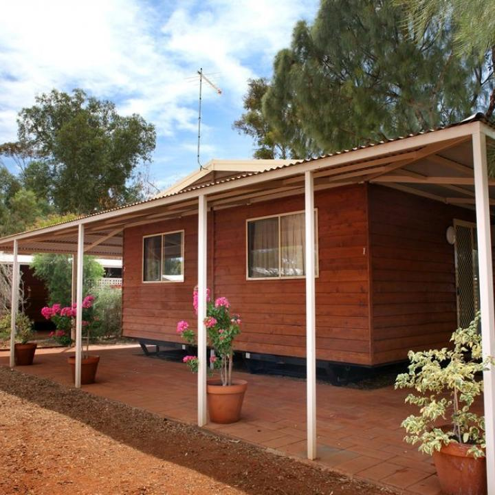 Cabin at Ayers Rock camp site